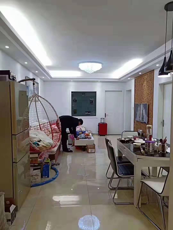 东阳紫荆公寓精装两室满两年 价格低