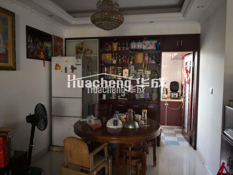 车站路85平 152万宾王中学学区 70年住宅证件在手适合自