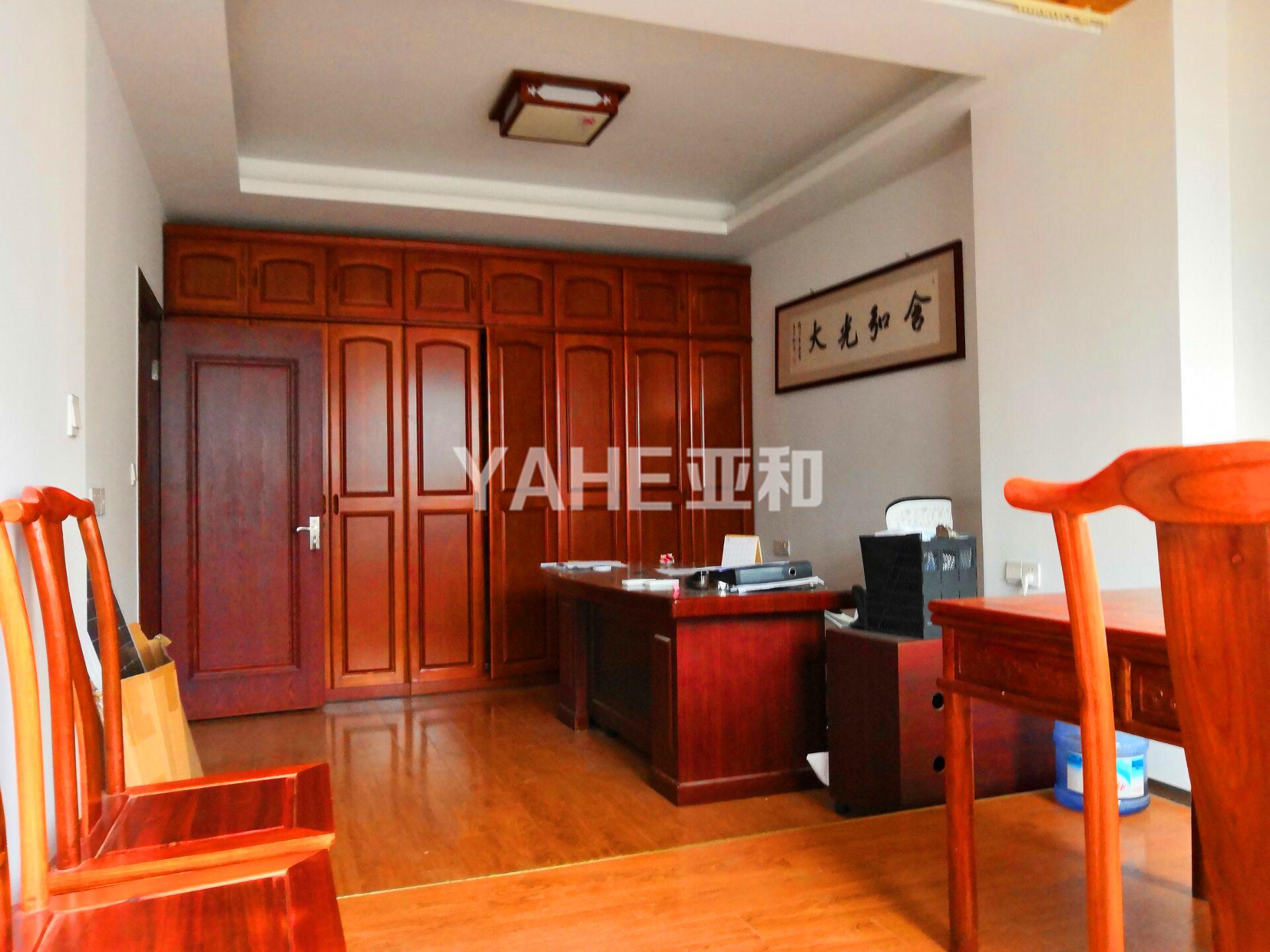 中顺国际 两室两厅 带大阳台 清爽装修 周边配套齐全