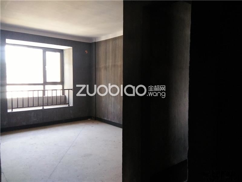 佛堂核心商圈 宝龙广场 大阳台 性价比高 毛坯 高楼层 三房