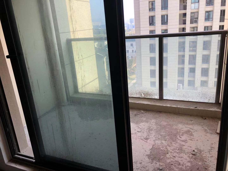 西景悦府 90平 三室两厅 带阳台 仅售179万 证齐全