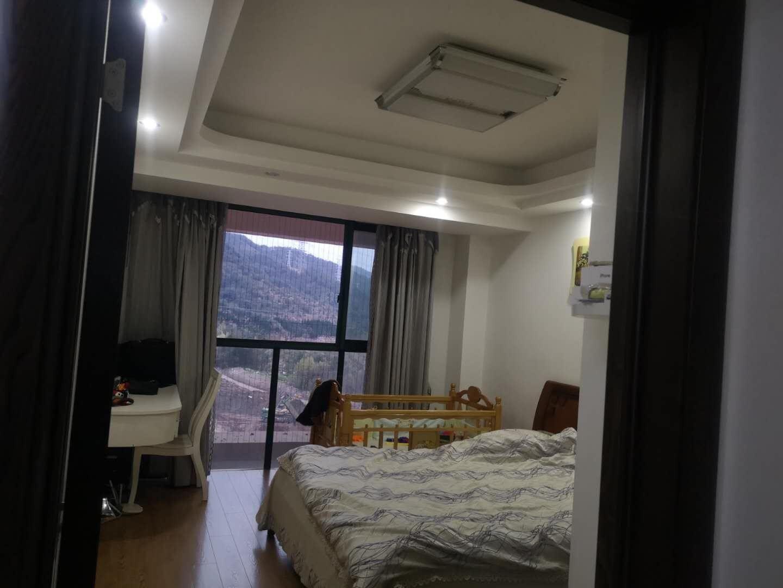 急转 义乌交界处东阳紫荆公寓106平3室精装修高层证齐可按揭